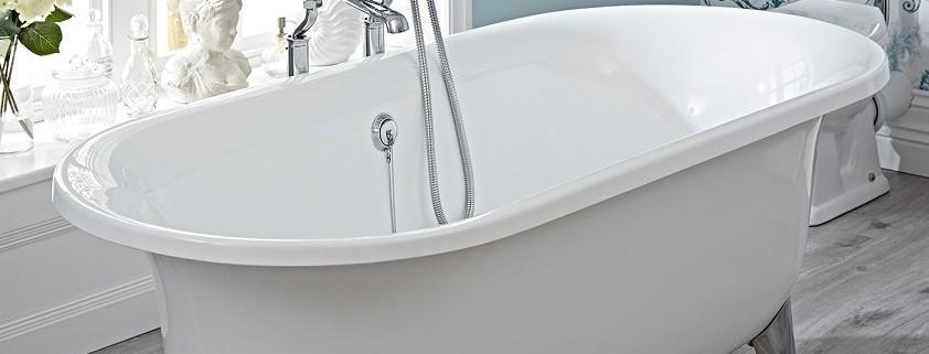 freestanding-roll-top-bath-842x630