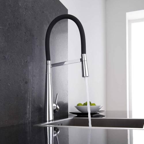 C mo o instalar un grifo de fregadero para su cocina de for Grifo cocina negro